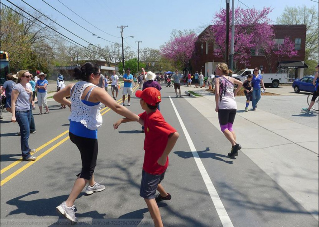About 1,500 people attended the Carrboro Open Streets festival on Saturday. The event promoted recreational activities such as making smoothies on bicycles and dancing in the streets. (Staff photo by Cristobal Palmer)