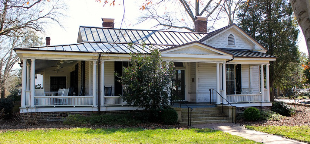 The Southern Oral History Program is located at the Center for Study of the American South in the Love House, on East Franklin Street just past the President's House. (Staff photo by Kelley Hamill)